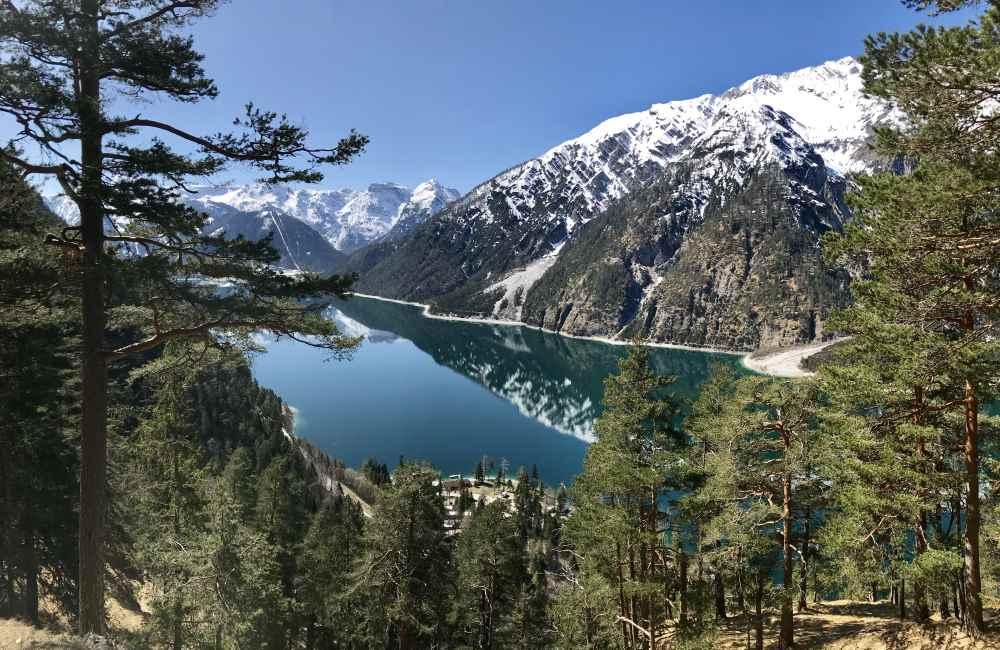 Das Karwendelgebirge mit dem sauberen - und leider sehr stark besuchten Achensee