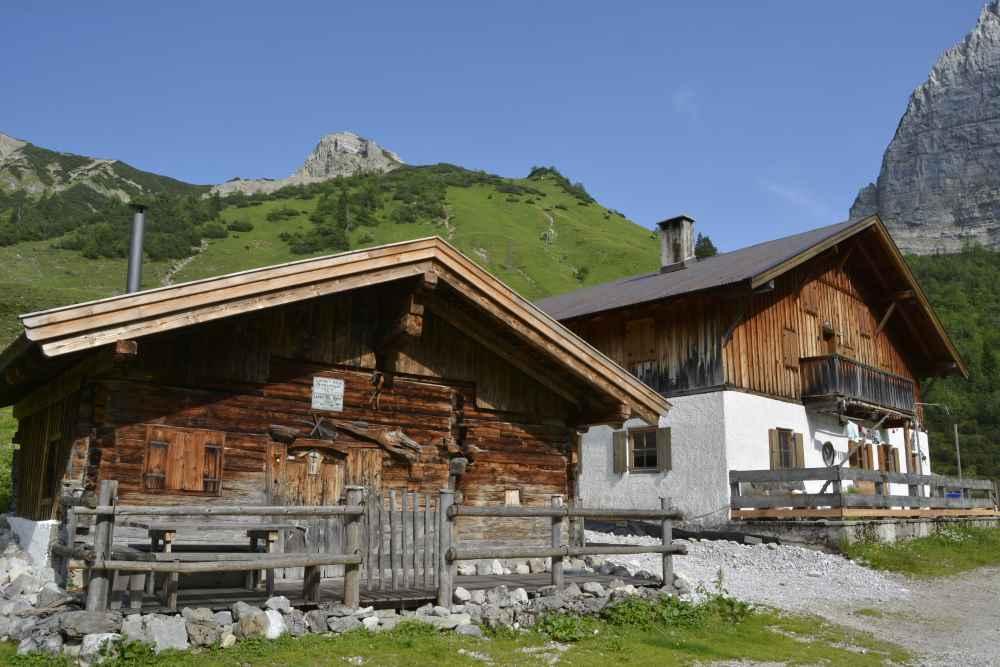 Karwendelgebirge Hüttentour - mehrtägige Wanderung im Karwendel in Tirol