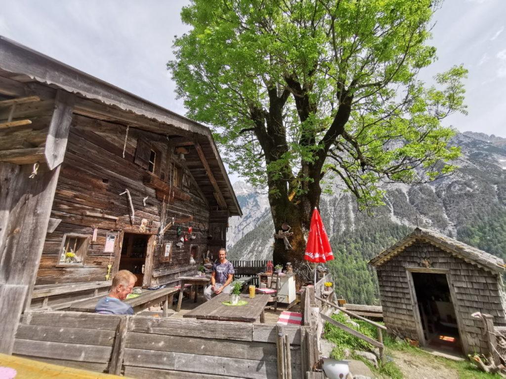 Die Ganalm - für mich die urigste Alm im Karwendel. Für dich auch?